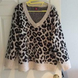 Vince Camuto leopard sweater